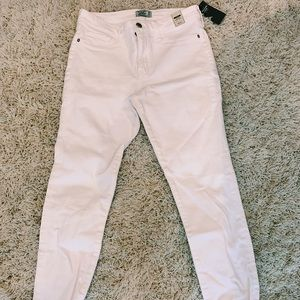 NEW WITH TAGS Low Rise Skinny Jeans
